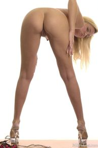 Hot Ass Blonde Milf Naked In Heels